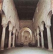 Interno chiesa di S. Paolo inter vineas